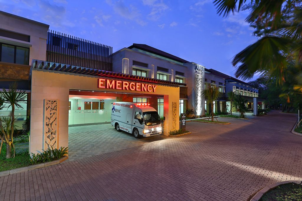 BIMC-Hospital---Emergency-Entrance---night-shot